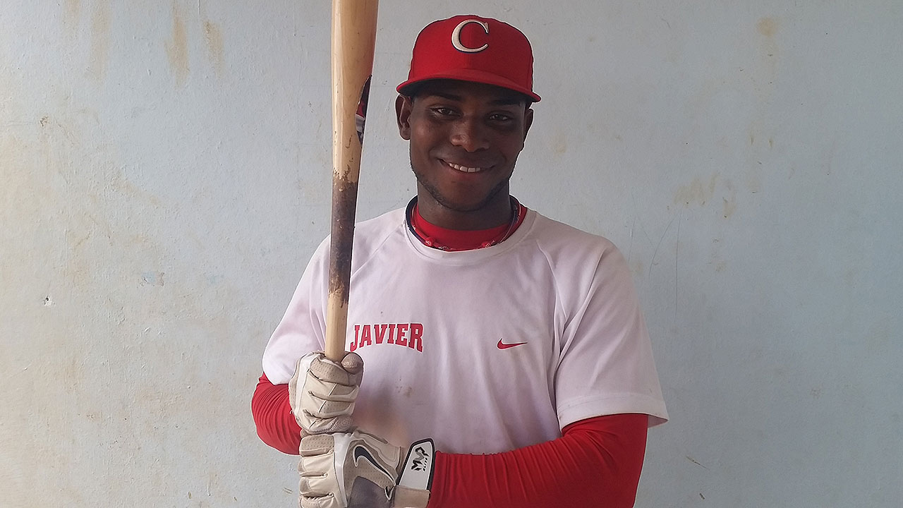 Rojos le otorgan pacto de liga menor al SS cubano Alfredo Rodríguez