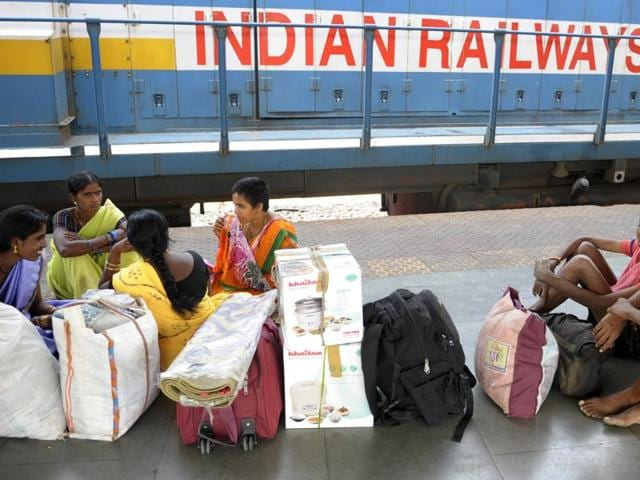 Railway Stations In Telugu States Hikes Platform Price By 300%