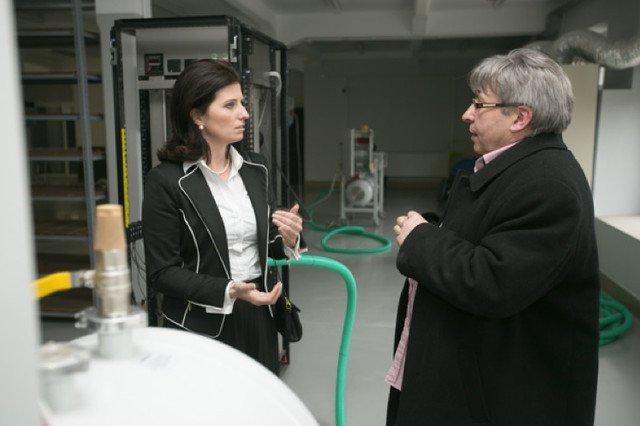 Podsekretarz Stanu w Ministerstwie Gospodarki, Ilona Antoniszyn-Klik podczas spotkania z prezesem Nantes w Bolesławcu.