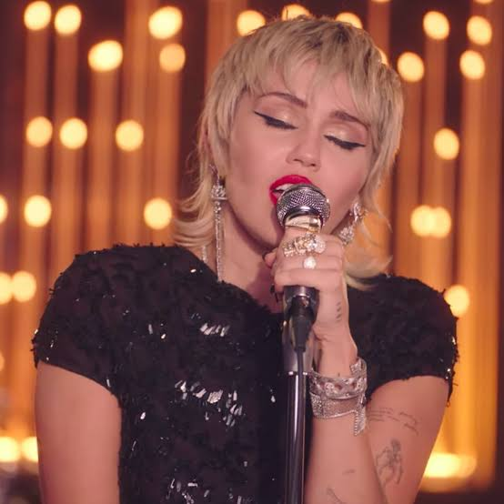 Miley Cyrus Midnight Sky in the Live Lounge