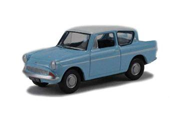 Oxford Diecast 76105007 Lt.Blue/Ermine White Ford Anglia