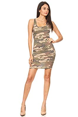 Pattern print racerback tank dress in a bodycon fit, with a scoop neck. Our products comfort, perfect for casual wear for any occasion. Choose from our diverse options and see which one fits your style the best! Our products which are great in qualit...