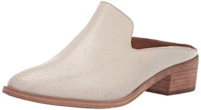 low heel mule with a western inspiration Can be worn with jeans and dresses