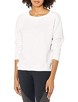 Sweatshirt sits just below your natural waistline Ribbed hem and cuffs keep their shape High-stitch density, so it lasts longer without pilling Tag-free for added comfort