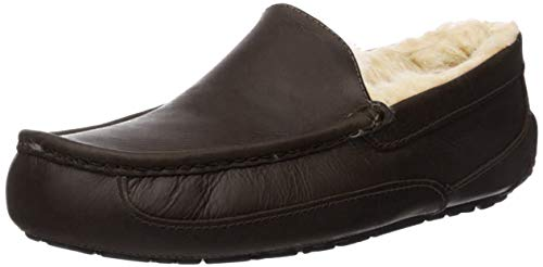 UGG Men's Ascot Slipper, China Tea Leather, 10 3E-Extra Wide