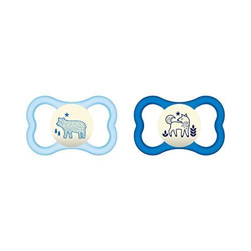 MAM Air Night Silikon Schnuller im 2er-Set, zahnfreundlicher und leuchtender Baby Schnuller, extra leichtes und luftiges Schilddesign mit Schnullerbox, 16+ Monate, blau