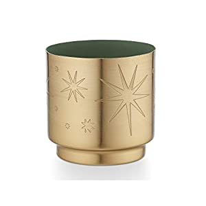 A bright winter walk in the forest, with notes of bergamot, balsam, and cedar Makes a decorative addition to any room Soy blend candle poured in the USA Burn time up to 20 hours.