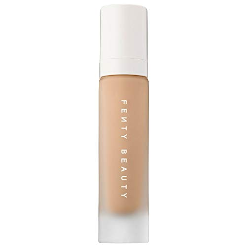 gives skin an instantly smooth, pore-diffused, shine-free finish that easily builds to medium to full coverage. This oil-free soft matte foundation is made with climate-adaptive technology that's resistant to sweat and humidity, and won't clog pores so that wherever you are, it's going to work on your skin. Always shake Pro Filt'r foundation before use to activate.