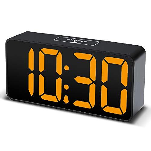 DreamSky LED Digitaler Wecker mit USB-Ladeanschluss, Große Ziffern Display, Lauter Alarm, Helligkeit und Lautstärke Regelbar, Snooze, 12/24HR, Tischuhr Netzbetrieben
