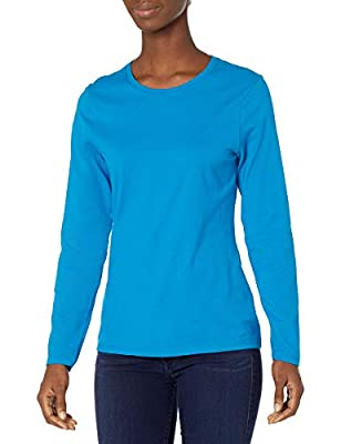 Flattering, feminine fit. Crewneck styling Preshrunk 100 percent cotton for a lasting, true fit All the comfort of Hanes, with our famous tag-free collar Available in a variety of colors This item runs small