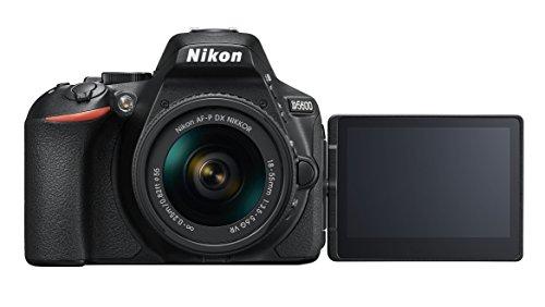 Nikon D5600 - Fotocamera reflex da 24 MP (DX, CMOS, mirino ottico, montatura tipo F, SnapBridge, D-Movie e Video Time-lapse) - Kit con obiettivo AF-P VR 18-55, custodia e libro - Versione Nikonisti