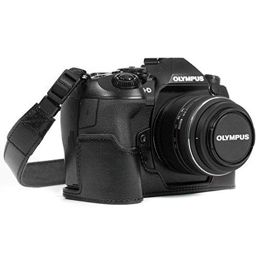 MegaGear Ever Ready Custodia met copertura in finta pelle per Fotocamera compatibilie con Olympus OM-D E-M1 Mark III, E-M1 Mark II, Nero