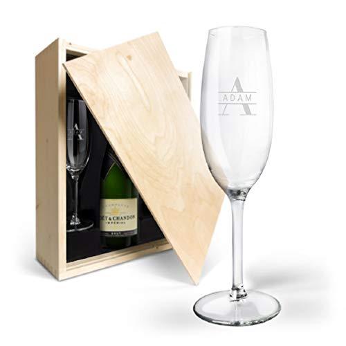 Champaña Moët & Chandon Brut personalizada con copas grabadas con nombres - una botella de champagne 0.75L
