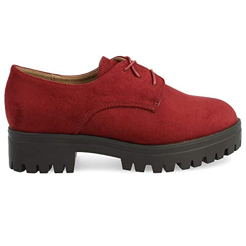 Zapato con Cordones Redondos Tipo Blucher, con Plataforma de Goma. Altura del Tacon: 4 cm. Altura de Plataforma: 3 cm. Talla 38 Burdeos