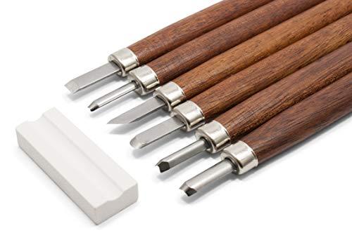 HOLZWURM Set di utensili da intaglio in legno - Set di coltelli da intaglio in 7 pezzi in una custodia robusta, pietra per affilare e istruzioni (DE+EN)