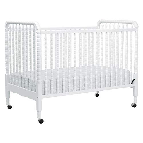 7. DaVinci Jenny Lind Stationary Crib