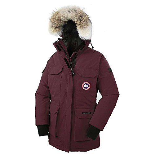 Rated a 5 on Canada Goose's Thermal Experience Index, this jacket should keep you warm to -20?F Mid-length provides good protection Coyote fur ruff surrounding a 2-way adjustable tunnel hood (horizontally and hood opening), with an adjustable bracing wire for superior protection in high-wind conditions