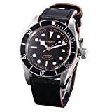 Functions: 12-hour dial, date display, luminous hands, luminous dial, sapphire glass. Strap colour: black, strap width: 22 mm. Watch case material: stainless steel watch case size: 41 mm. Movement: mechanical (automatic). Strap material: genuine leat...