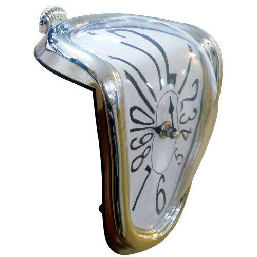 Schmelzende Uhr im Stil von Dali