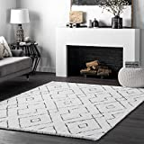 nuLOOM Bealauh Shaggy Area Rug, 5' x 8', White