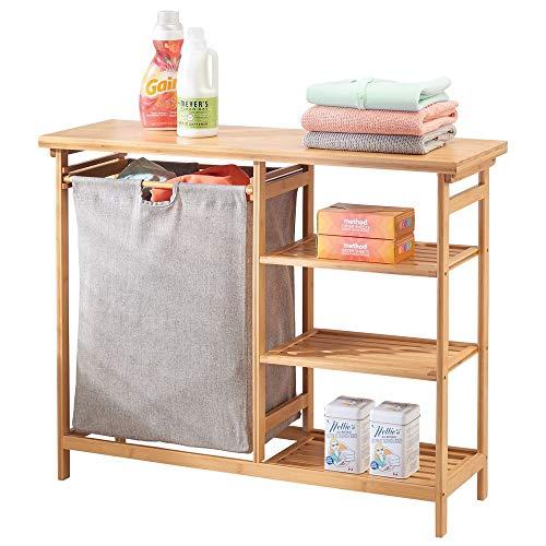 mDesign Badregal mit Wäschesammler – herausnehmbarer Wäschebehälter mit Griffen – mit Regal für Waschpulver, Weichspüler etc. – bambusfarben