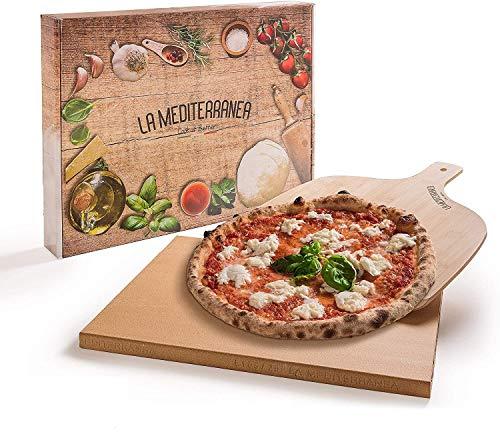 LA MEDITERRANEA Pietra refrattaria per Pizza da Forno con Pala Pizza in Legno Versione 2020 Adatta a Tutti i Tipi di forni, Un ricettario e dei Consigli per l'uso