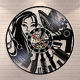 Classic CD Record Barbershop Logo Reloj de pared con corte de pelo silencioso Diseño de salón de belleza Reloj con disco de vinilo Decoración de pared de barbershop | Sorpresa antes de Navidad