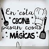 Docliick® Frase Vinilo para cocina o restaurante'EN ESTA COCINA PASAN COSAS MÁGICAS' Pegatina...