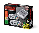 21 Jeux compris Console fournie avec 2 manettes avec câble de 1m 52 cm et un câble HDMI Fonction Replay jusqu'à 45 secondes et 4 sauvegardes par jeu Rejoue aux classiques Street Fighter 2 Turbo, Donkey Kong Country et Super Mario World Star Fox II en...