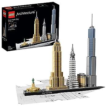 LEGO Interpretation der Skyline von New York City Enthält das Flatiron Building, das Chrysler Building, das Empire State Building, das One World Trade Center sowie die Freiheitsstatue Das beiliegende Heft enthält Informationen über den Designer, die ...