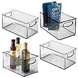 mDesign Juego de 4 cajas organizadoras con asas – Práctico organizador de frigorífico para almacenar alimentos – Contenedor de plástico sin BPA para mueble de cocina o nevera – gris