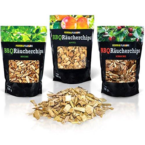 BBQ Räucherchips Mix für tolles Raucharoma beim Grillen - 100{d56f314f6524863249165ce9b6dd2d3568b445efd2977db64c92091c9516da04} natürliches Smoker-Holz   Ergiebige und sparsame wood chips (Apfel, Buche & Kirsche) für Stand- und Kugel-Grill sowie Smoker   3 x 500g