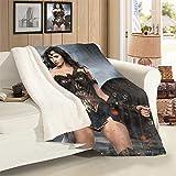 VICWOWONE Manta de oficina Wonder Woman de terciopelo de cordero como regalo para decoración de cama, tamaño de 127 x 152 cm