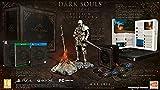 Pour la toute première fois, retrouvez les 3 jeux Dark Souls acclamés par la critique et l'ensemble de leurs DLC dans une collection unique. Entrez dans un univers de Dark fantasy frappé par la malédiction. Explorez un monde en déclin à l'atmosphère ...