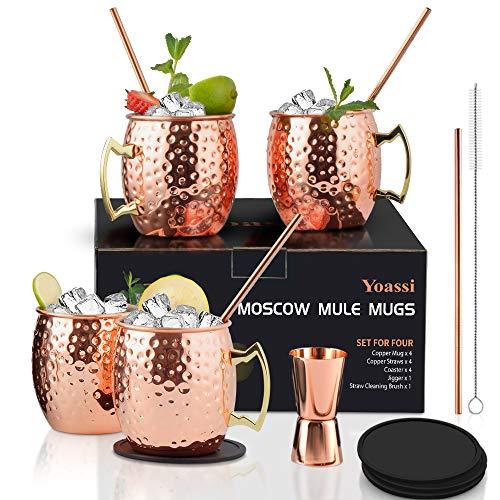 Yoassi Set di 4 Bicchieri di Rame Moscow Mule Fatti a Mano e Martellati 530ml Tazza Moscow Mule Double Wall con 4 sottobicchieri, 4 cannucce, 1 spazzolino di Pulizia, 1 x misurino,Regalo