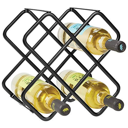 mDesign Scaffale per bottiglie di vino Bellissimo portabottiglie in metallo per cinque bottiglie distribuite su tre livelli Organizer in metallo da appoggio per bottiglie di vino e altro nero