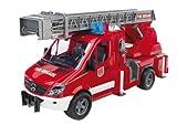 BRUDER - 02532 - Camion de pompier MERCEDES BENZ avec échelle, pompe à...
