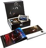 Contient: Gran Turismo Sport sur PS4 Un livret APEX collector au format A4 décrivant l'histoire des véhicules Vision Gran Turismo, le pilotage et les paramètres de réglage Un modèle à l'échelle 1/43e moulé sous pression de la Mercedes-Benz AMG GT Un ...