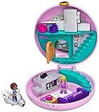 Polly Pocket Coffret Univers Soirée Pyjama Donuts, 2 mini-figurines, accessoires, autocollants et surprises cachées, jouet enfant, édition 2019, GDK82