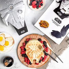 Star-Wars-Deluxe-Millennium-Falcon-Waffle-Maker