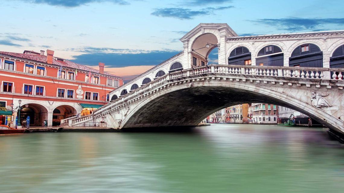 Enchanting Rialto: a stroll through the markets of Venice