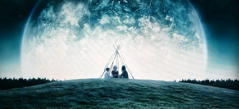 Kirsten Dunst, Charlotte Gainsbourg, and Cameron Spurr in Melancholia (2011)