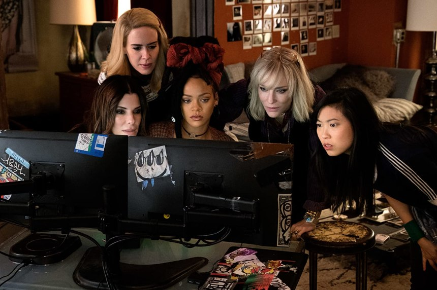 Sandra Bullock, Cate Blanchett, Sarah Paulson, Rihanna, and Awkwafina in Ocean's Eight (2018)
