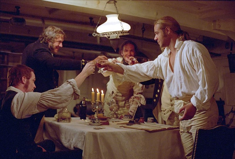Russell Crowe, Paul Bettany, James D'Arcy, and Edward Woodall in Master and Commander: The Far Side of the World (2003)