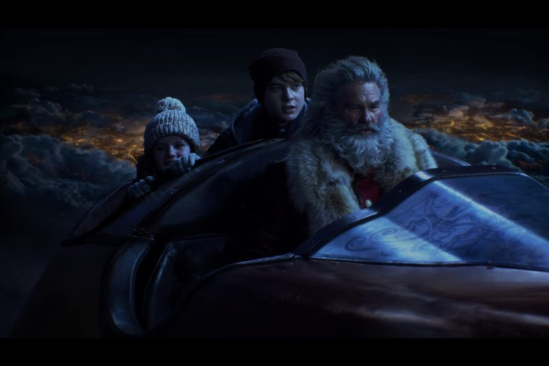 Kurt Russell, Darby Camp, and Judah Lewis in The Christmas Chronicles (2018)