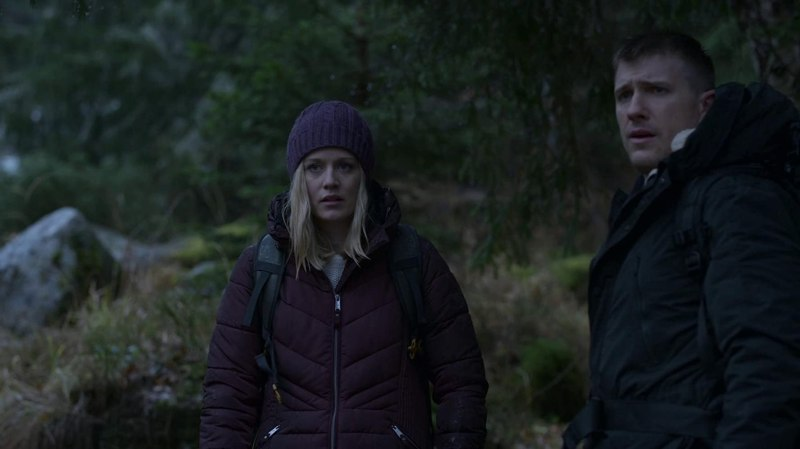 Patrick Heusinger and Cara Theobold in Absentia (2017)