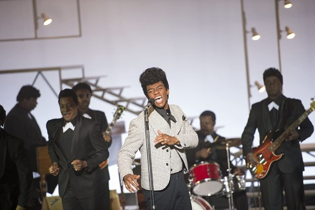 Chadwick Boseman and Nelsan Ellis in Get on Up (2014)
