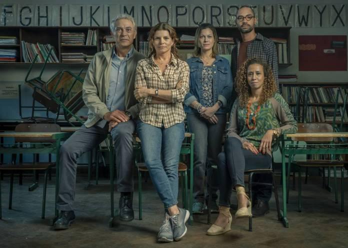 Débora Bloch, Paulo Gorgulho, Silvio Guindane, Hermila Guedes, and Thalita Carauta in Segunda Chamada (2019)
