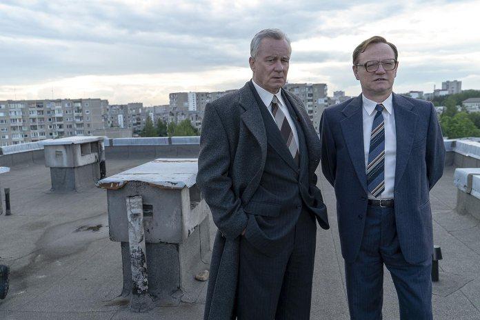Stellan Skarsgård and Jared Harris in Chernobyl (2019)