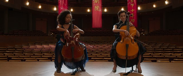 Logan Browning and Allison Williams in The Perfection (2018)